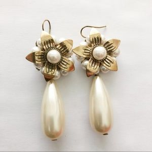 Pilgrim Signed Flower Pearl Gold Pierced Earrings